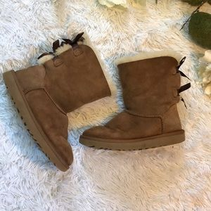 Tan UGGS With Double Bows On Back